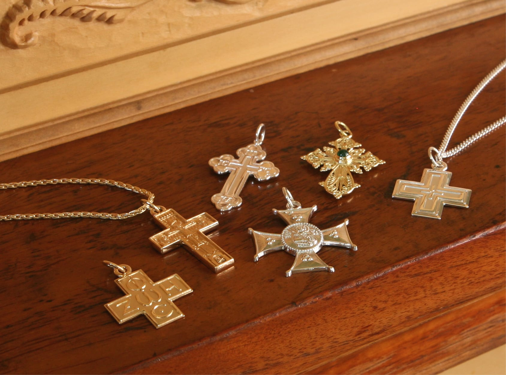 greek crosses, greek jewelry, history of jewelry